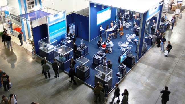 Different ideas to attract customers on trade show