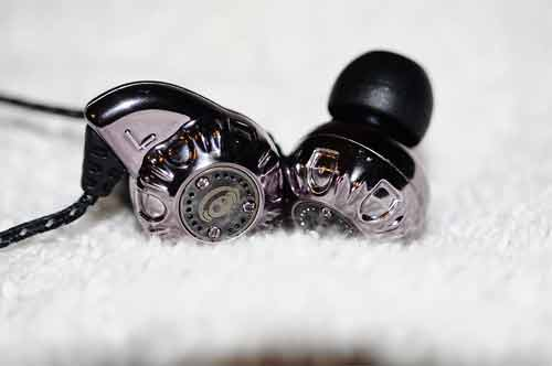 What to do if one side of the earbud is not working