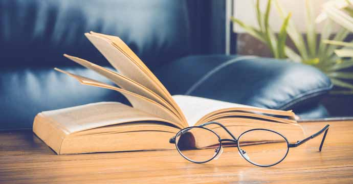 How to carry reading glasses